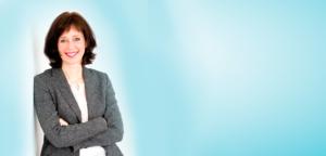 Beratung - Training - Coaching - Organisationsentwicklung - Clea Buttgereit mit grauer Jacke